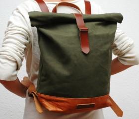 Waxed Canvas Backpack, khaky color.