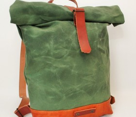Waxed Canvas Backpack, green army color.