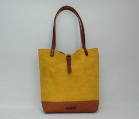 Tote bag waxed canvas, yellow color.