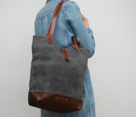 Tote bag waxed canvas, charcoal color.