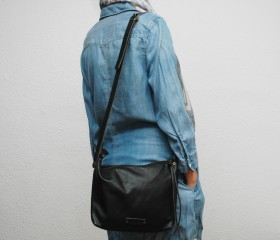 messenger bag , made of soft leather ,high quality ,black color , with leather handles,metalic ykk zip