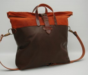Weekend bag russet color