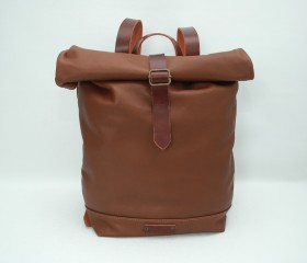 Leather Backpack,caramel mediun brown  color, with handles leather