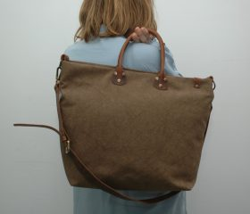 Washed stone shopper bag,Snuff Brown color,With handles in distressed brown leather