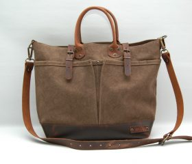 waxed canvas bag with leather handles and closures,snuff color