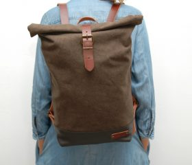Waxed canvas backpack,khaky color ,hand waxed