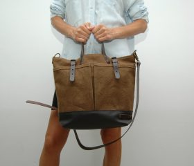 waxed canvas bag with leather handles and closures,toasted brown color