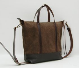 waxed canvas bag with leather handles and closures,khaky color