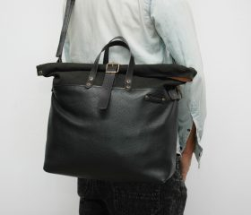 Weekender bag, waxed canvas with leather handles and closures,Black leather color