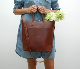 Leather tote bag, medium size ,chestnut color